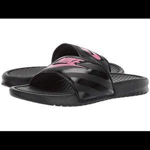 Nike Benassi JDI Slides 💗